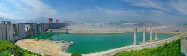 Visão panorâmica da Hidrelétrica das Três Gargantas